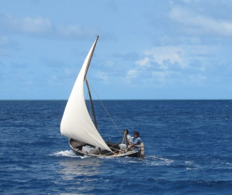 Lateen-rigged boat from Maldives under sail